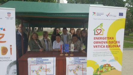 """Na Danima otvorenih vrata EU projekata u Bjelovaru, između ostalih EU projekata, predstavljen je i projekt u provedbi """"Energetska obnova Dječjeg vrtića Bjelovar"""", KK. 04.2.1.02.0126, 9. svibnja 2017. FOTO: Andrea Posarić"""